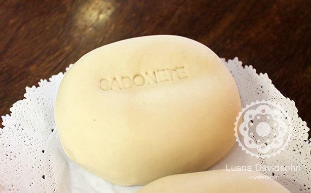 Bolo em formato de Sabonete | Confeitaria da Luana