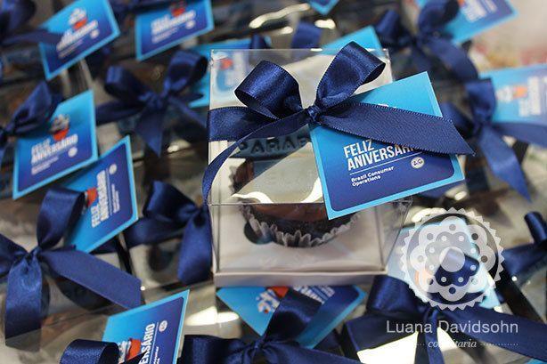 Cupcakes Feliz Aniversário | Confeitaria da Luana