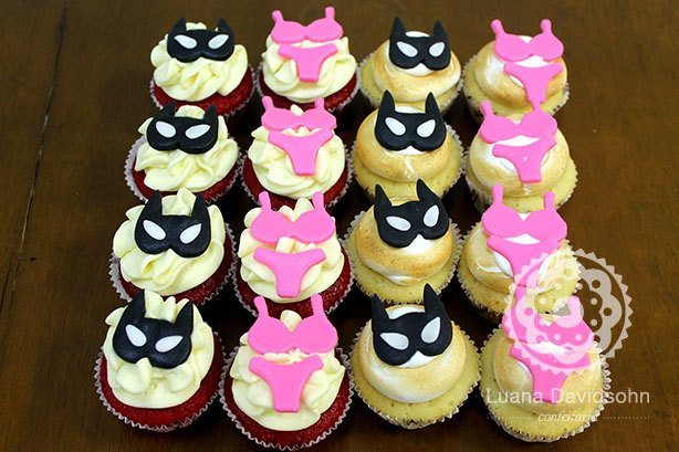 Cupcakes Mulher Gato | Confeitaria da Luana