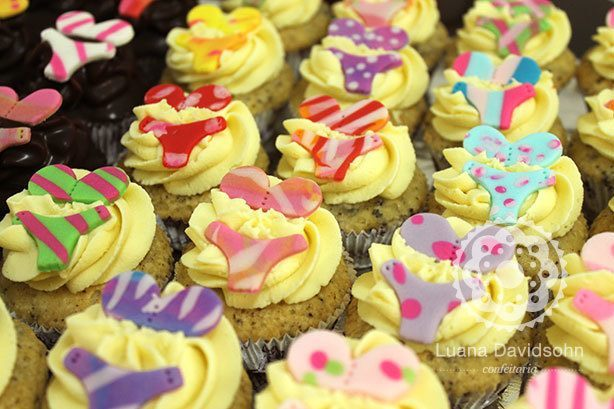 Cupcakes para Chá de Biquínis | Confeitaria da Luana