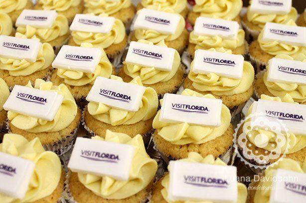 Cupcakes Estande de Feira | Confeitaria da Luana