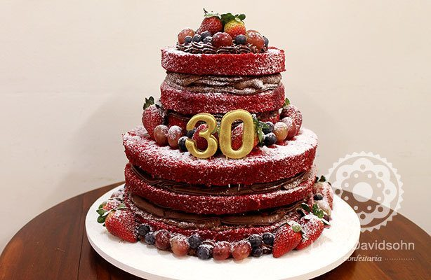 Naked Cake 30 anos | Confeitaria da Luana