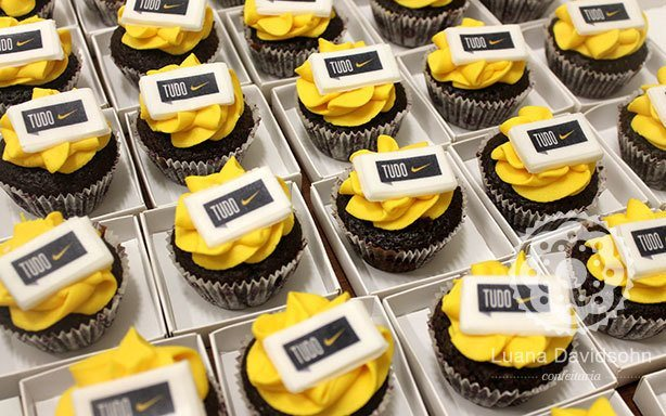 Cupcakes Nike | Confeitaria da Luana