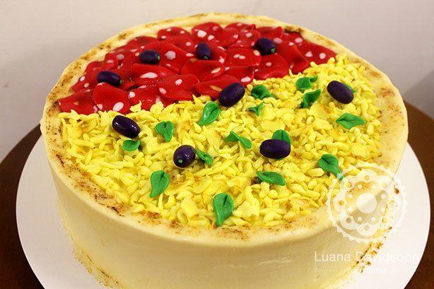Bolo Pizza | Confeitaria da Luana