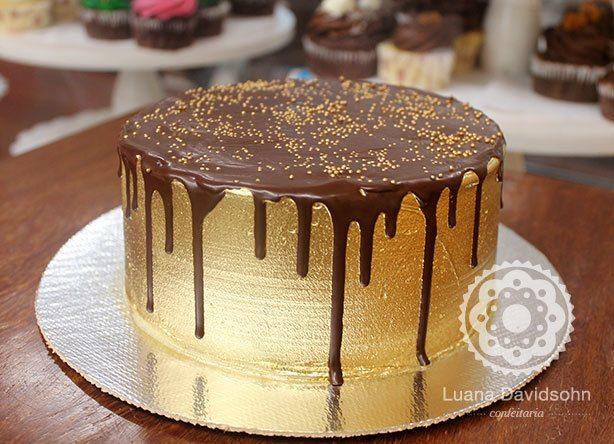 Bolo Dourado com Chocolate | Confeitaria da Luana