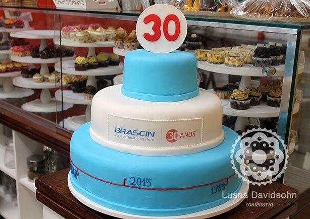 Bolo para Empresa 30 anos | Confeitaria da Luana