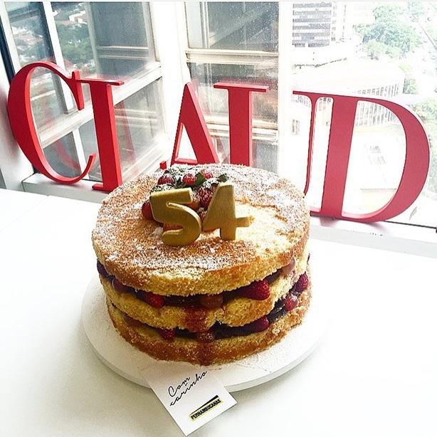 Bolo Naked Cake com Chocolate | Confeitaria da Luana