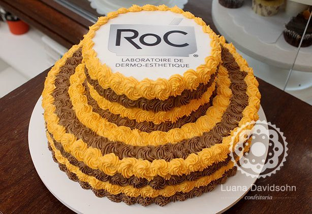 Bolo Colorido Corporativo ROC | Confeitaria da Luana