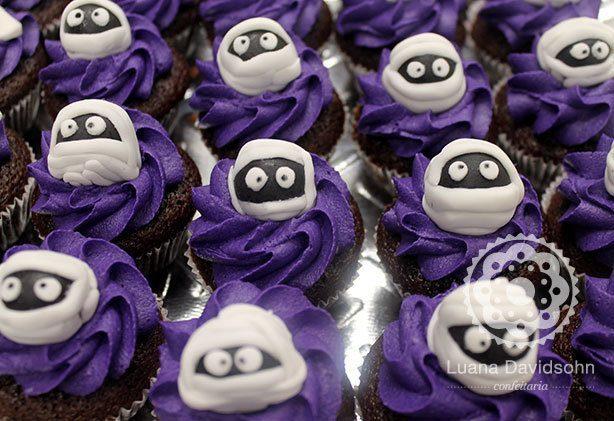 Cupcake de Múmia | Confeitaria da Luana