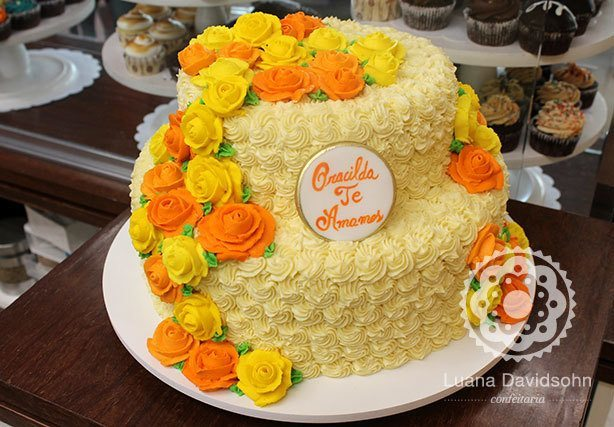 Bolo Flores de Chocolate 80 anos | Confeitaria da Luana