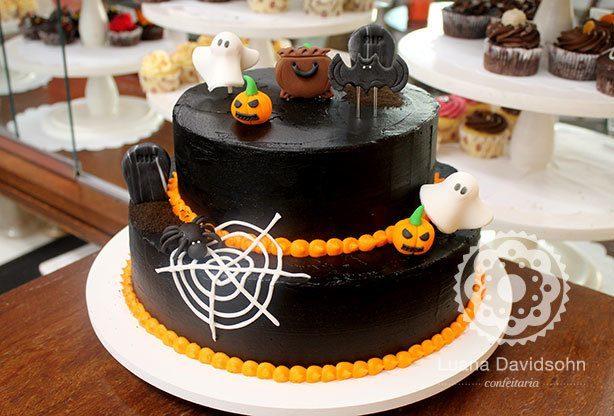 Bolo Halloween 2 Andares | Confeitaria da Luana