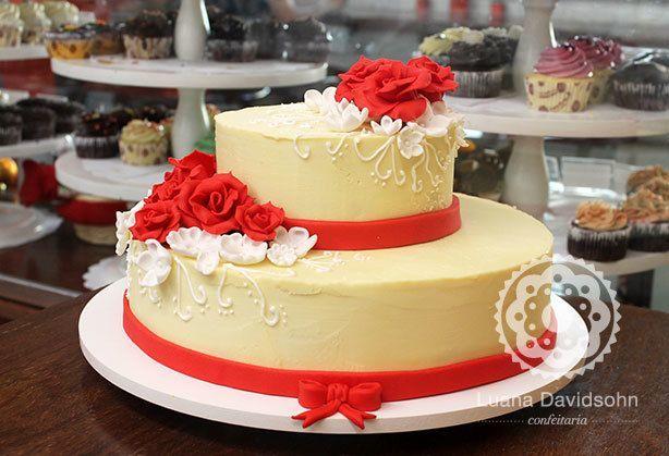 Bolo de Casamento Vermelho e Branco | Confeitaria da Luana