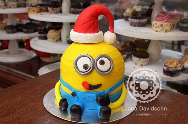 Bolo do Minion Natal