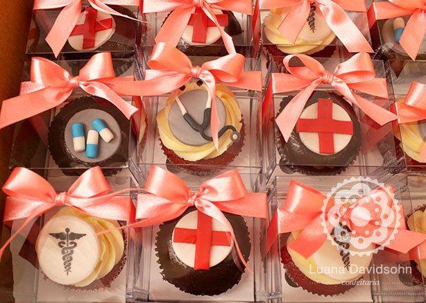 Cupcakes de Médico | Confeitaria da Luana