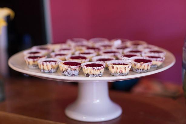 cheesecake mini frutas vermelhas mesa de doces