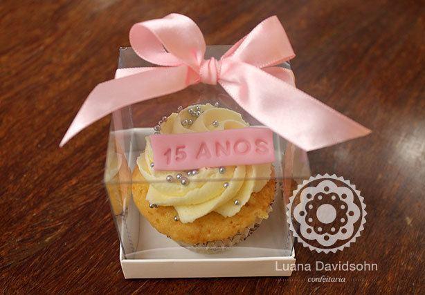 Cupcake Festa Debutante | Confeitaria da Luana
