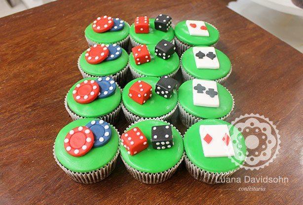 Cupcake de Poker | Confeitaria da Luana
