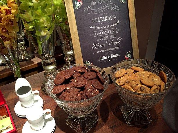 cookies americanos na mesa do café casamento