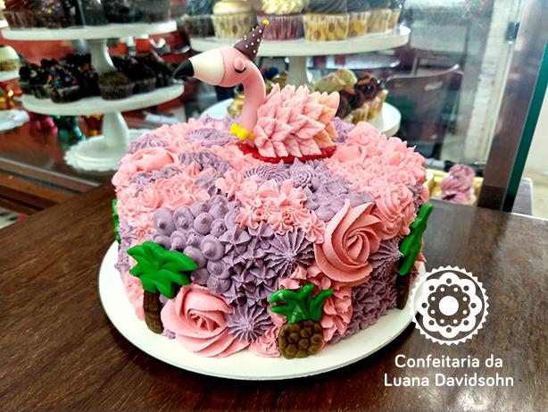 Bolo e Cupcake de Flamingo | Confeitaria da Luana
