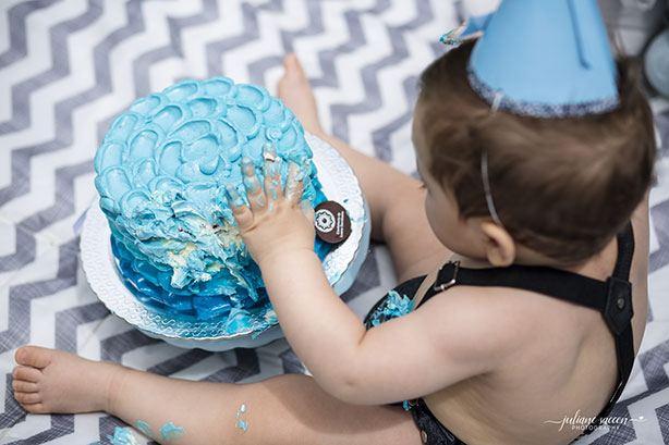 Bolo Smash The Cake Menino | Confeitaria da Luana