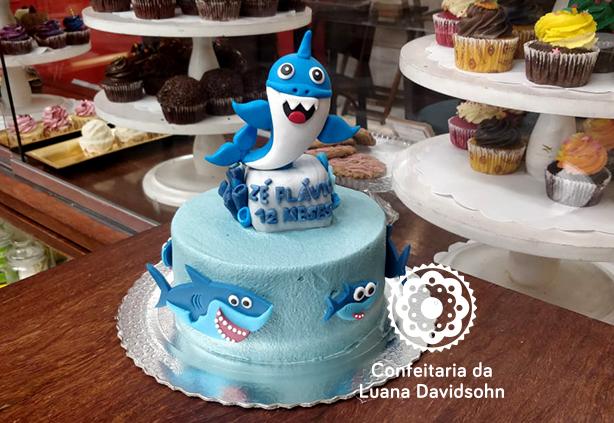 Bolo Baby Shark | Confeitaria da Luana
