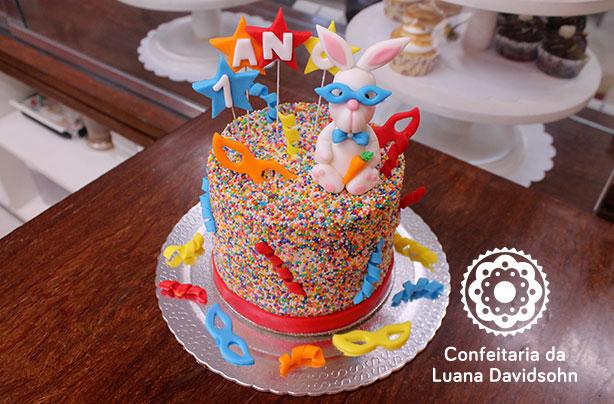 Bolo Carnaval | Confeitaria da Luana