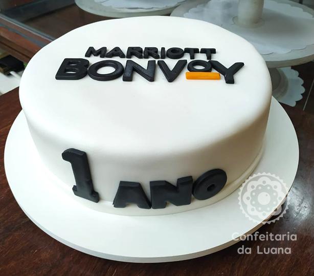 Bolo Empresarial com Logo | Confeitaria da Luana