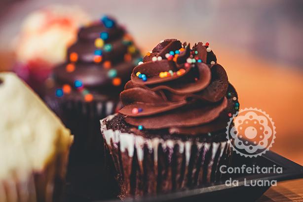 Cupcake de Chocolate | Confeitaria da Luana